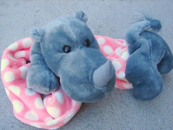 hippo-scarf