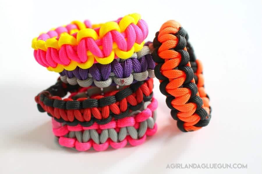 awesome kid craft--bracelets