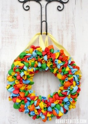 balloon-wreath-e1299647253401