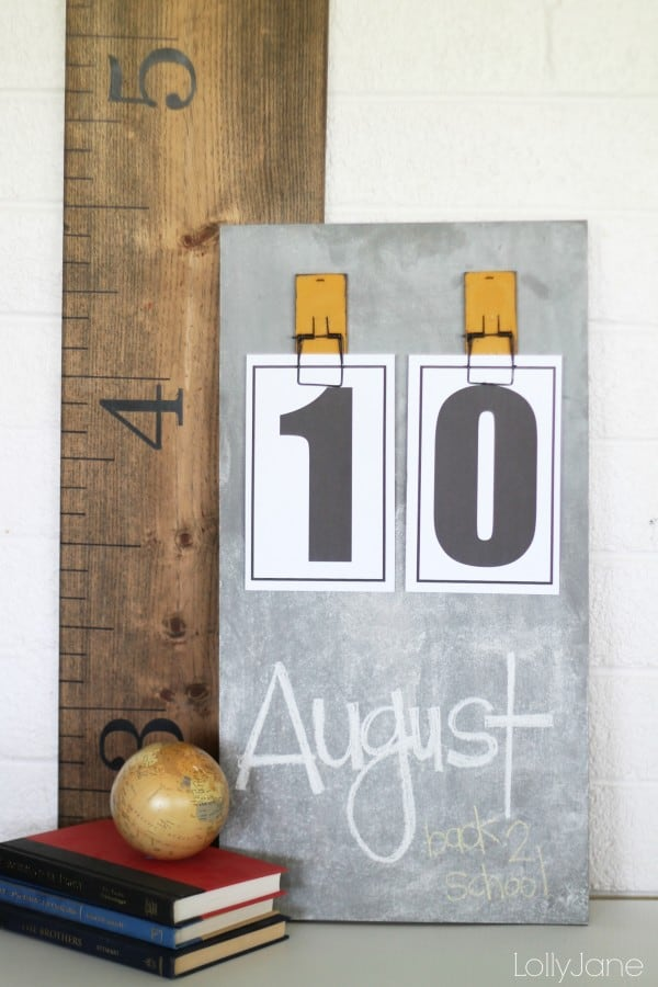 diy-chalkboard-calendar-600x900