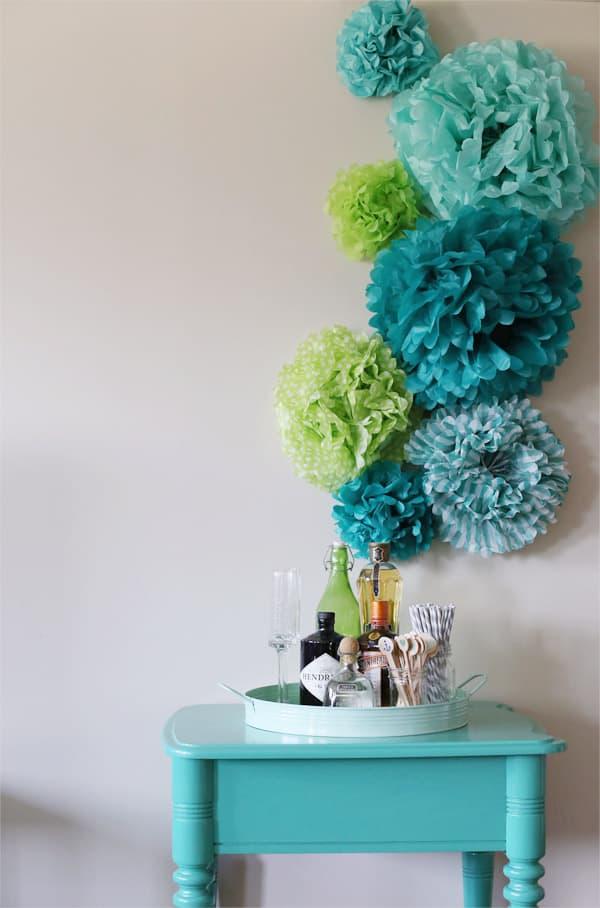 tissue-paper-pom-pom-backdrop