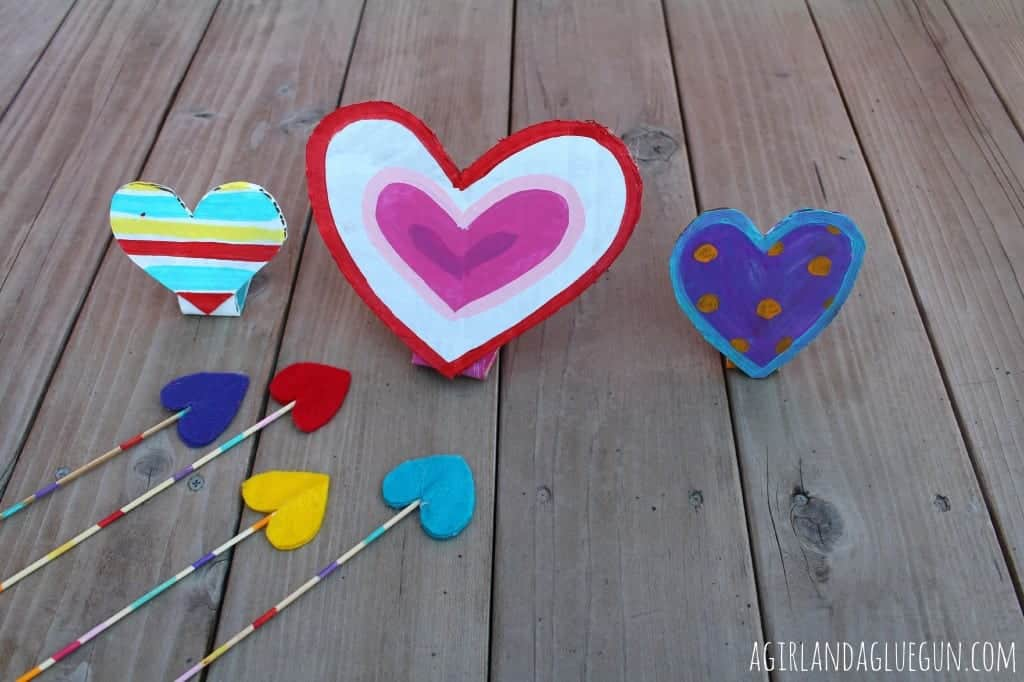 cardboard hearts with arrows for valentine classroom party!