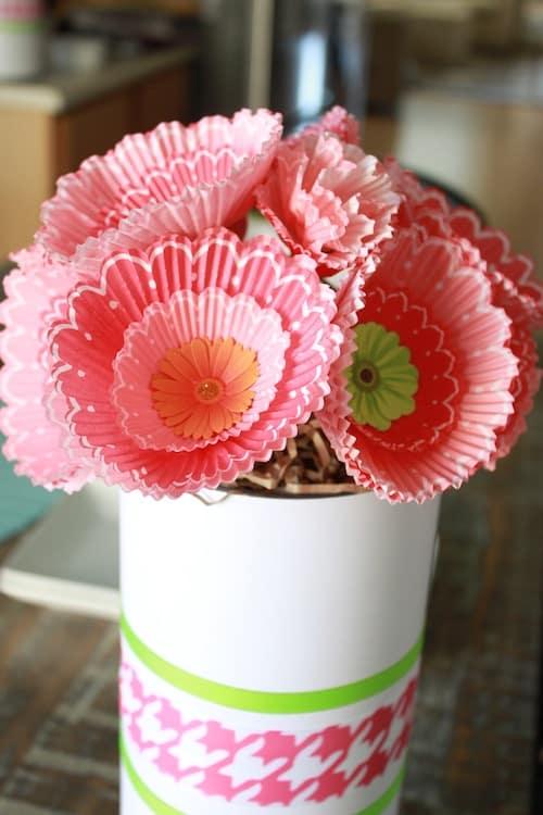 Cupcake-Liner-Flowers.1JPG
