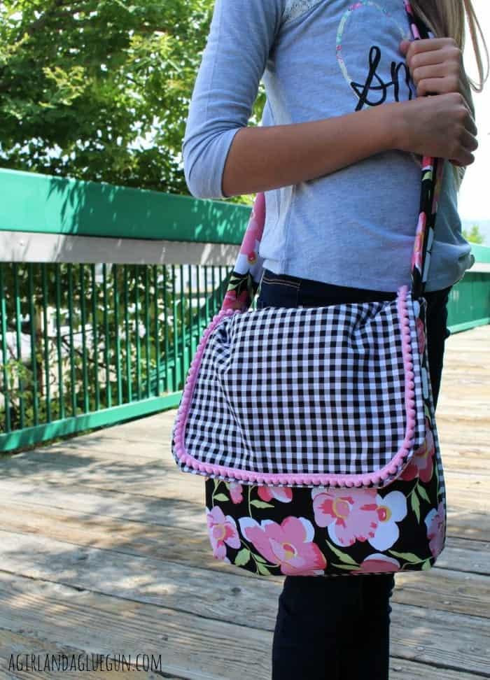 bag-a girl and a glue gun.com