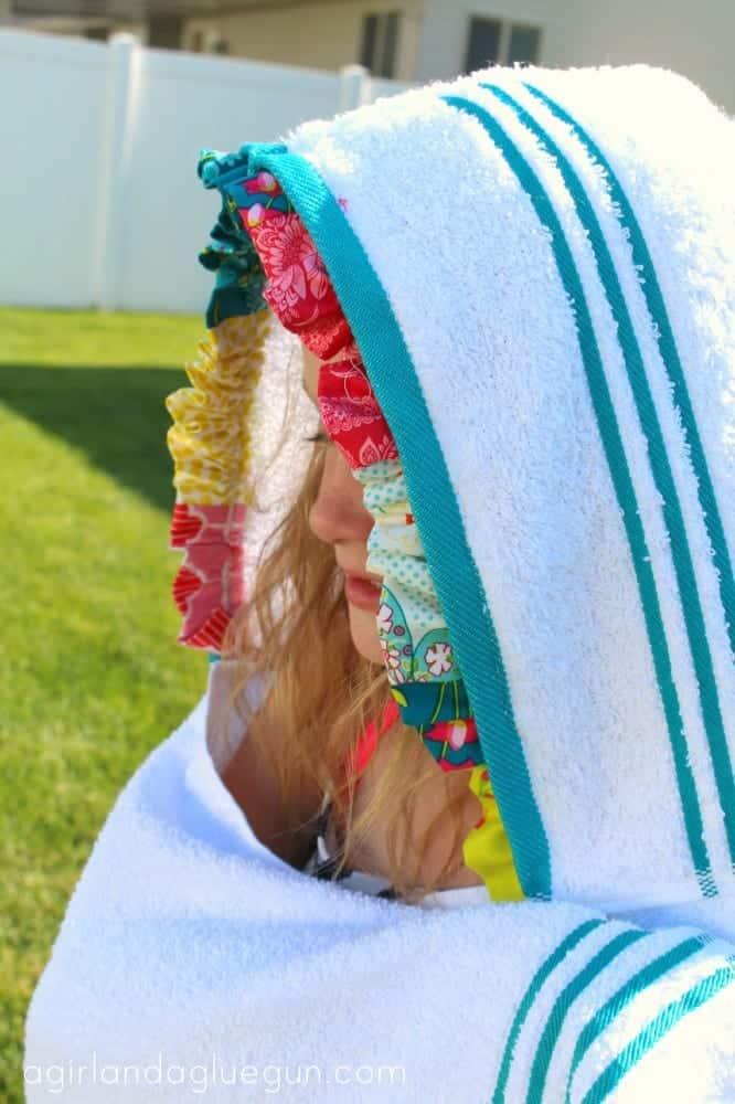 ruffled hood for towel
