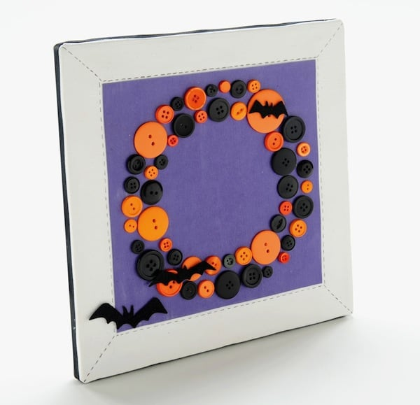 Halloween-button-DIY-wreath