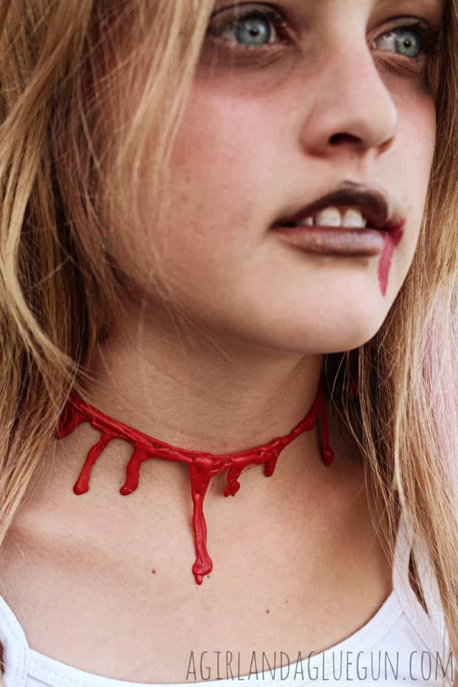 bloody necklace diy with hot glue