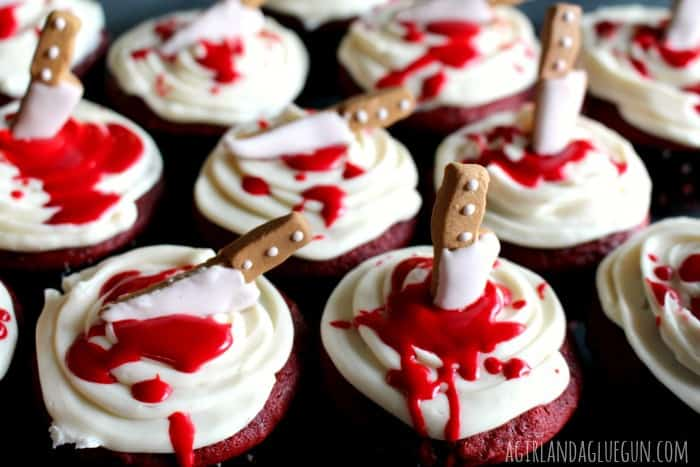 bloody cupcakes. fix a really easy halloween dessert perfect for any party!