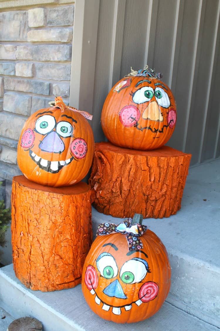 log pumpkin holder