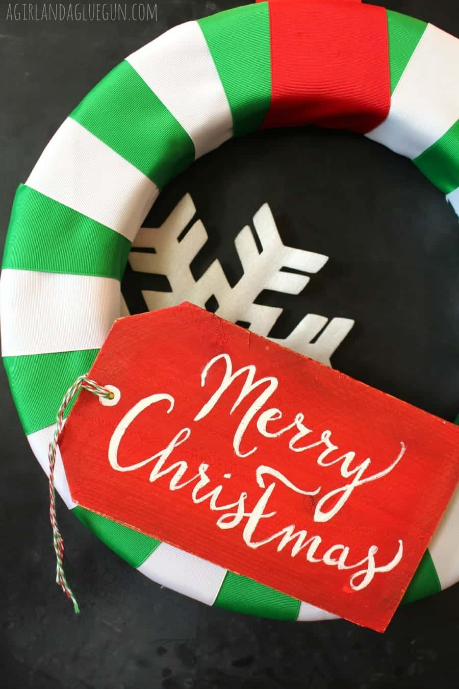 fun wreath with merry christmas tag