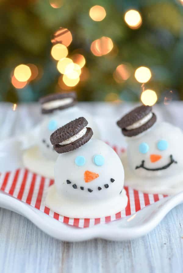 Melting-Snowman-Oreo-Truffles (1)