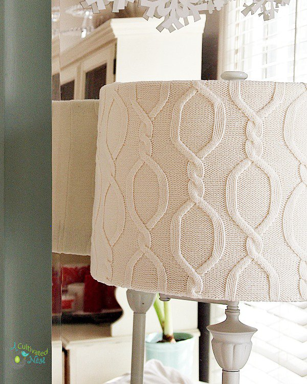 DIY-Sweater-covered-lampshade