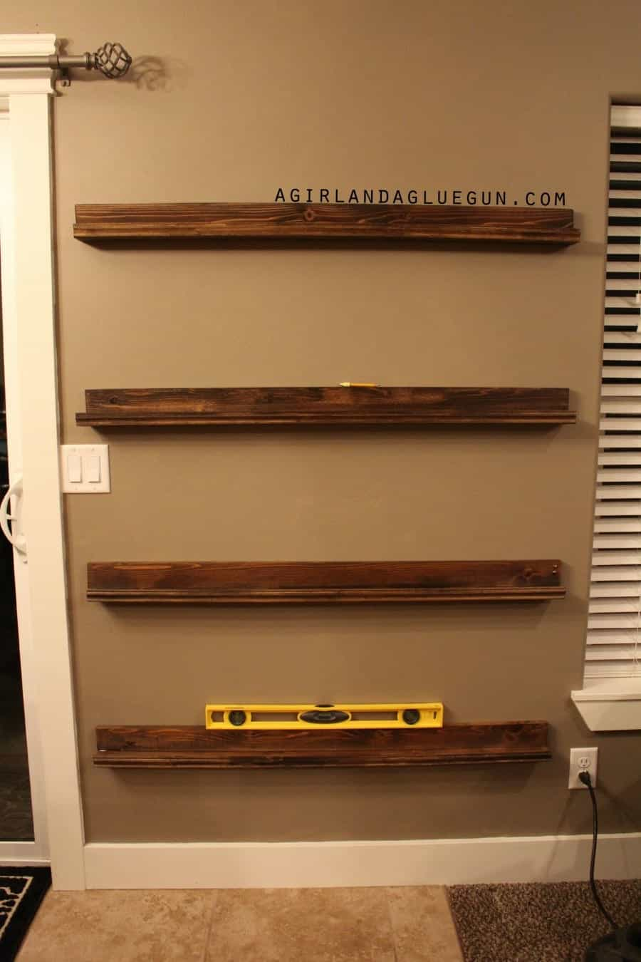 level on picture frame ledges how to