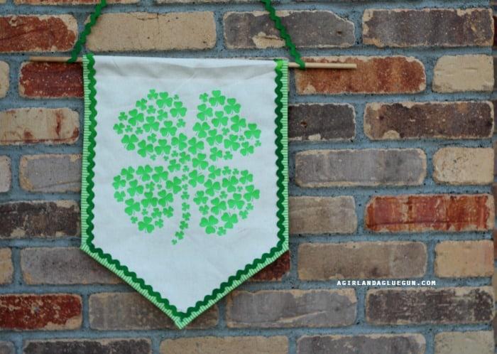 clover shamrock banner how to