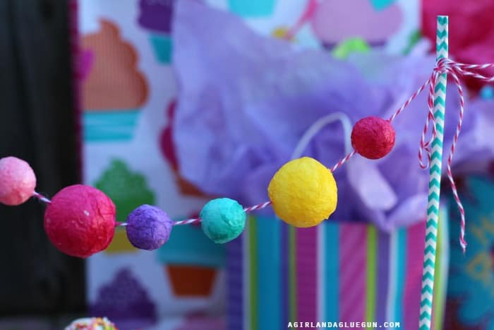 ball party garland
