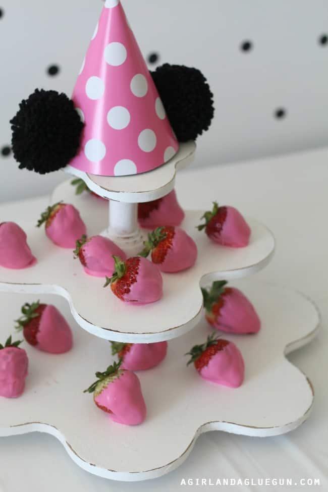 Truestory Dipped Strawberries Yummy Dessert For Disney Party
