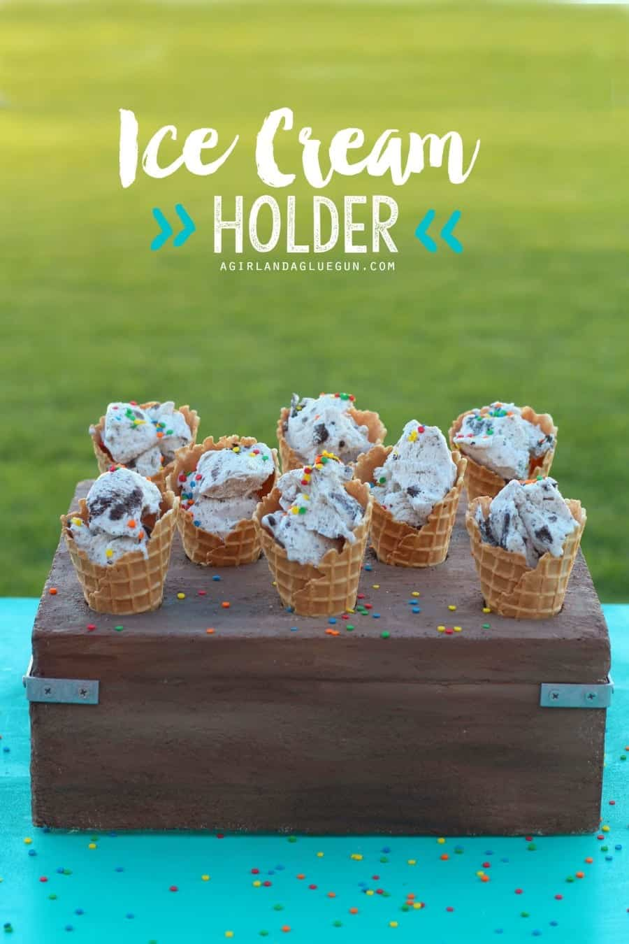 Ice cream cone holder for party