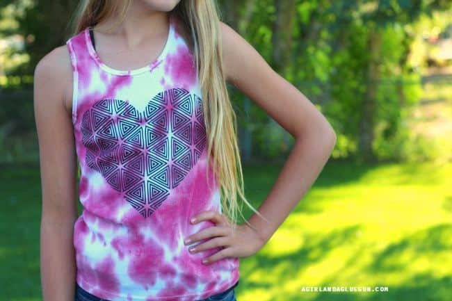 fun way to dress up tie dye shirts