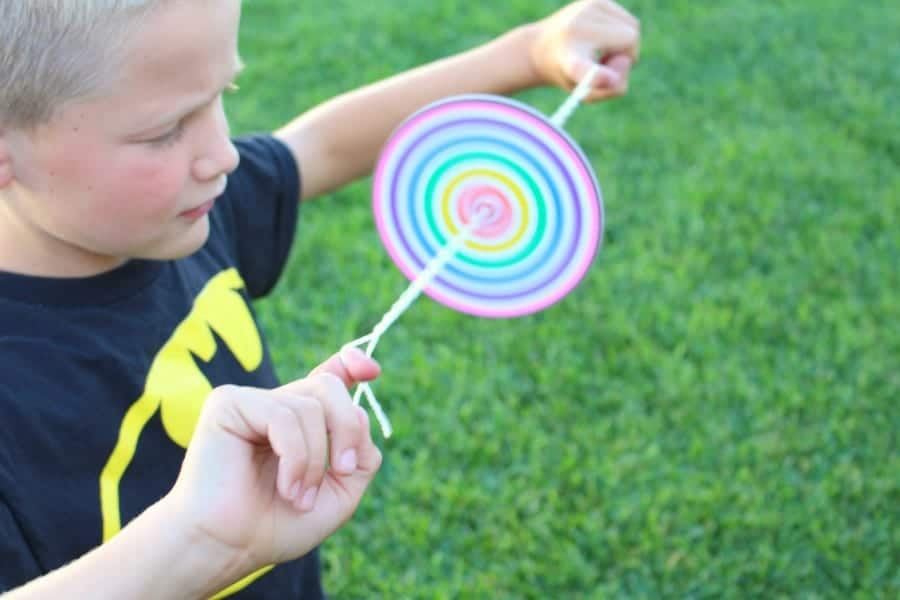 colorful kids crafts DIY Paper Spinner