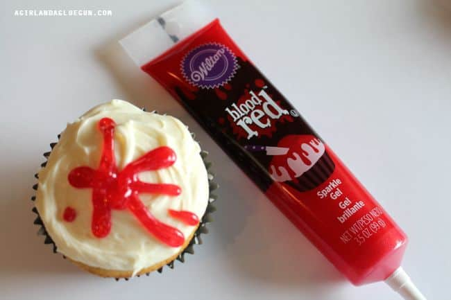 cupcakes blood red
