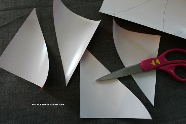 cut vinyl out with scissors