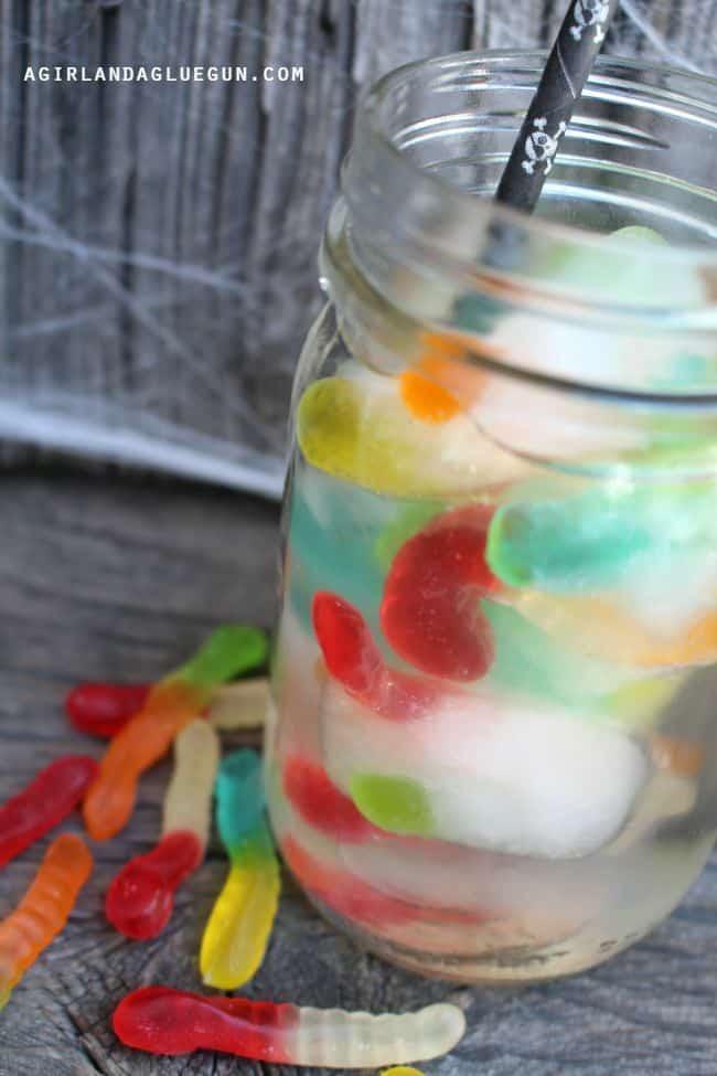 gummy worm halloween drink