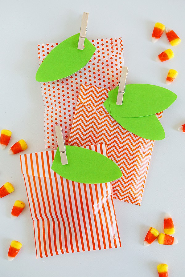 pumpkin-treat-bags