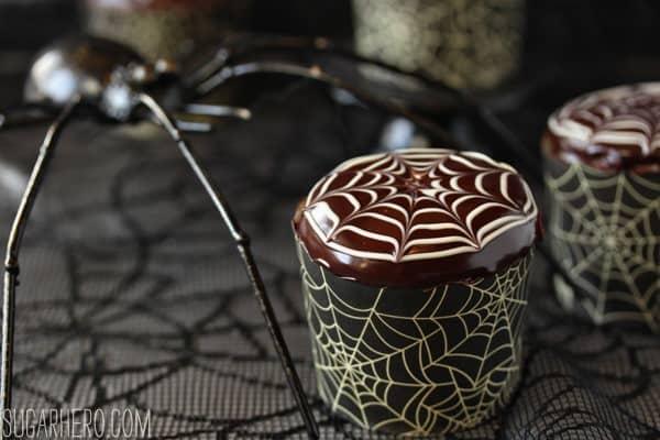 spiderweb-cupcakes-5