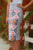 http://www.agirlandagluegun.com/wp-content/uploads/2015/10/diy-pattern-mixing-double-sided-skirt-133x200.jpg