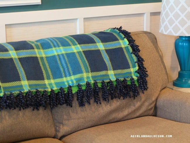 throw blanket with yarn