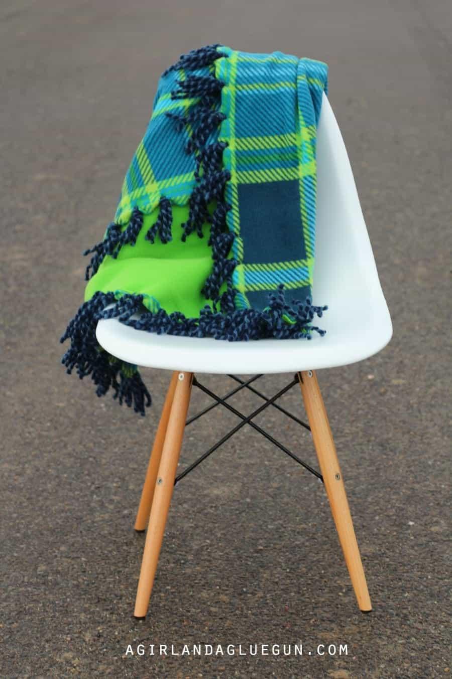 yarn detail fleece blanket