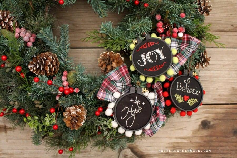 Christmas wreath with embroidery