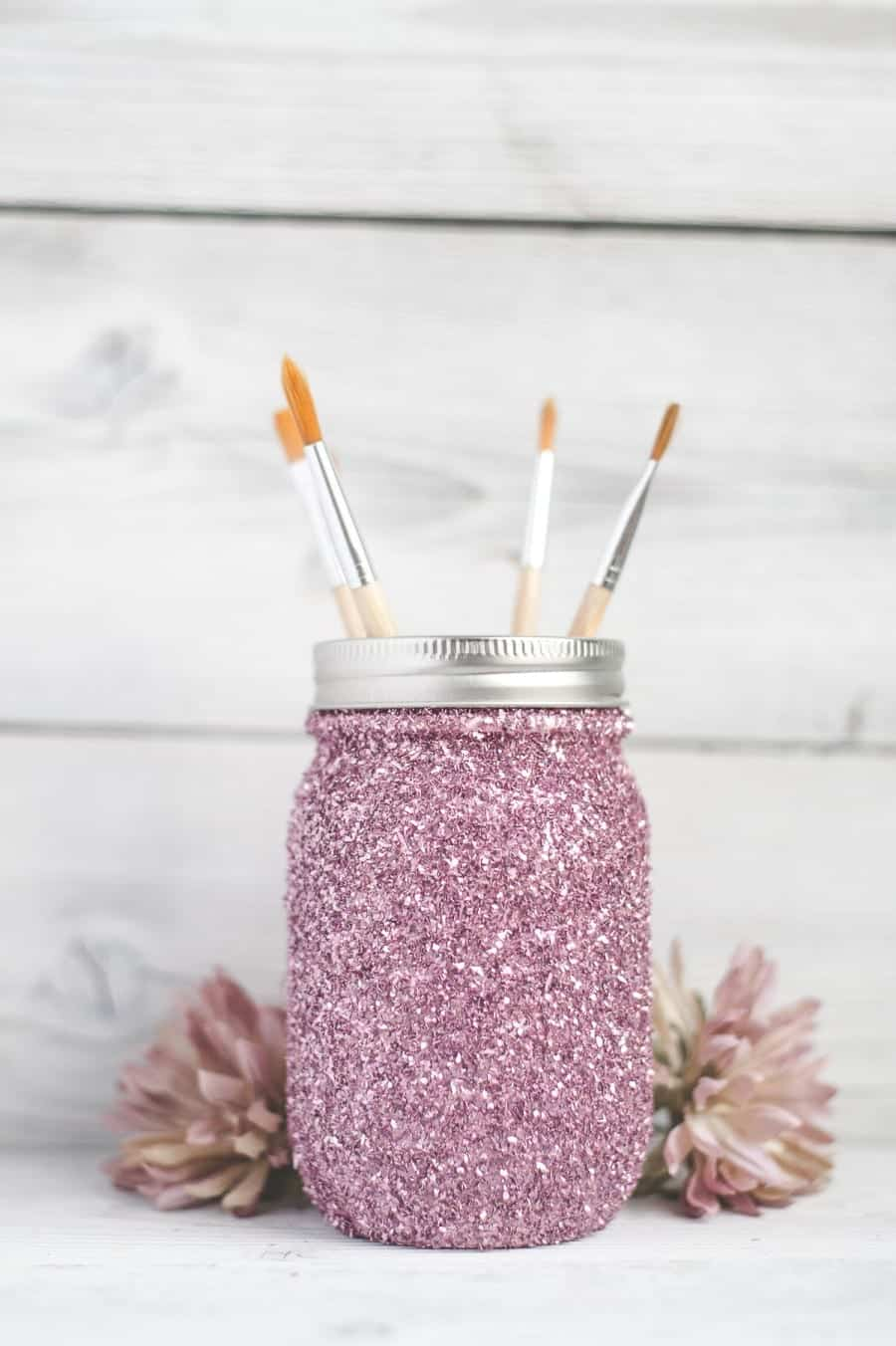 DIY-Glitter-mason-jar-pink1