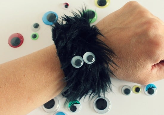 Furry-Monster-Bracelet-with-Googly-Eyes-via-makeandtakes.com_