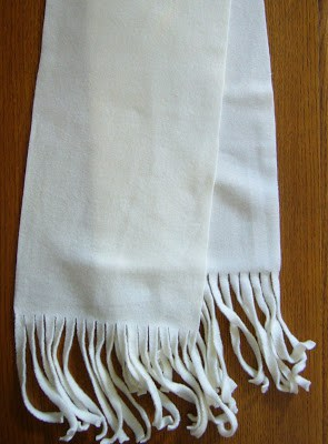 Wavy fringed fleece scarf tutorial
