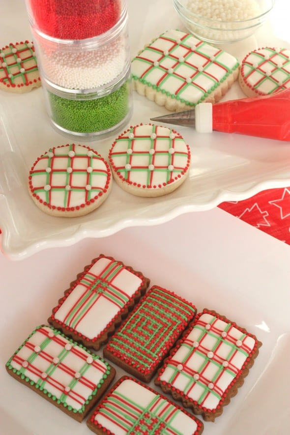 christmas-line-cookies-decorated--590x885