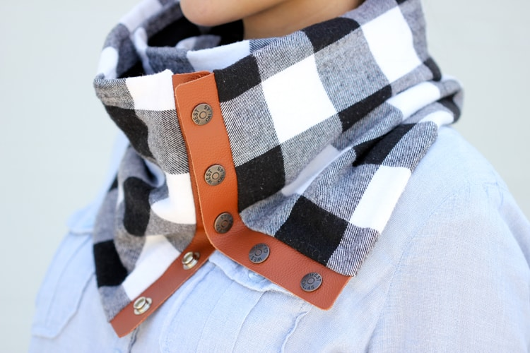 snap-scarf-final-45-of-521201
