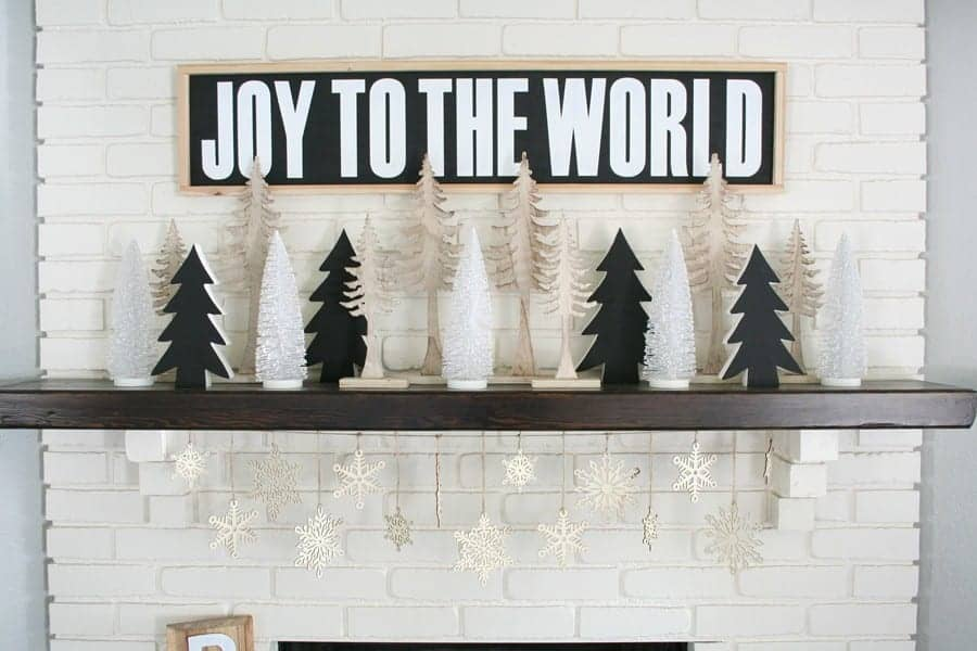 Black-White-Christmas-Mantel-3