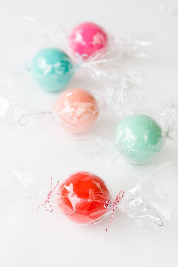 DIY-Candy-Ornament-Favors2-600x900