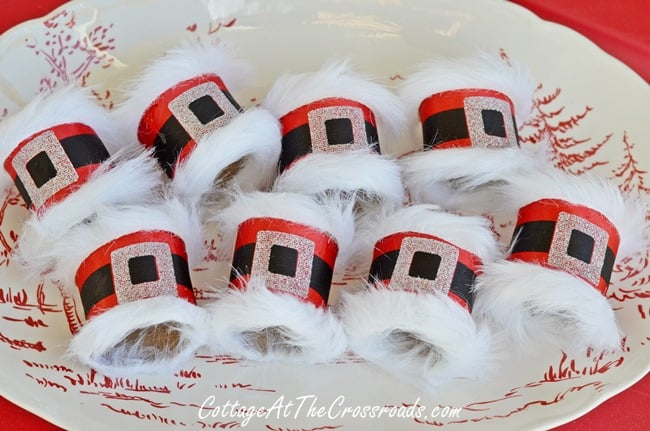 Santa-belt-napkin-rings-080