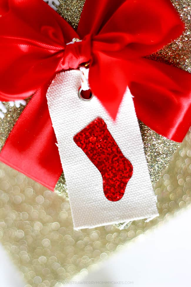 how-to-make-sparkly-htv-stocking-gift-tags-2