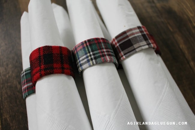 napkin rings made from toilet paper rolls
