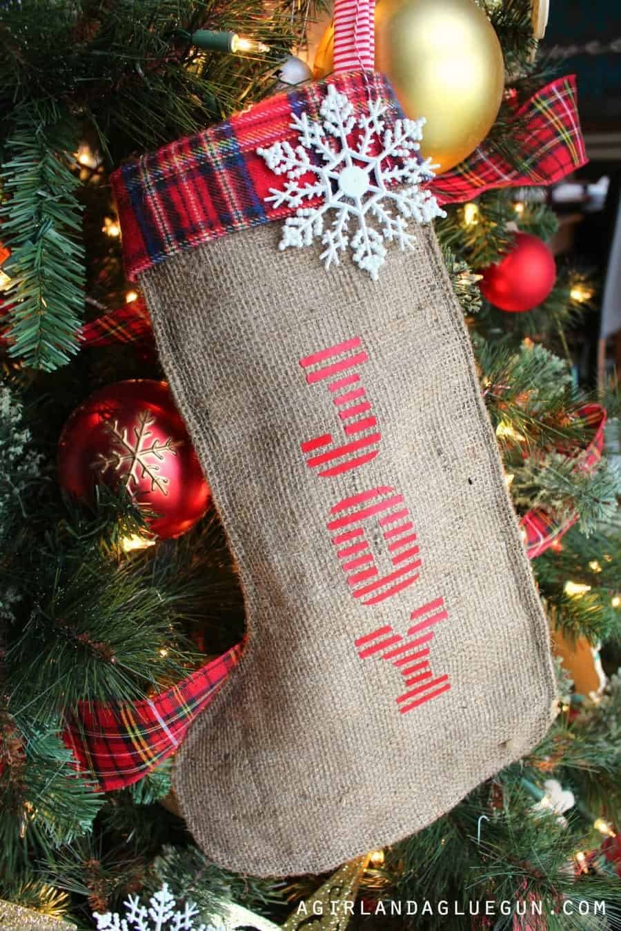 pretty burlap diy stocking with vinyl