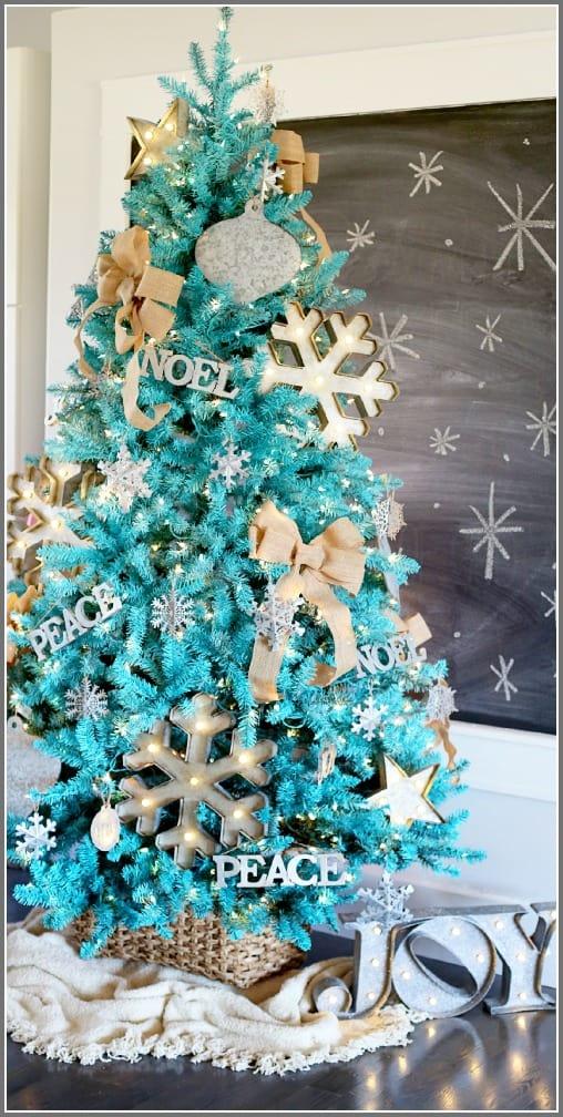 rustic-modern-turquoise-Christmas-tree