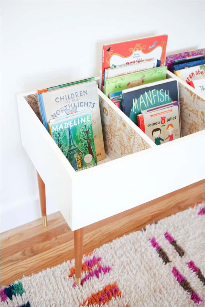 DIY-kids-book-bin-make-it-easy-to-browse-through-books
