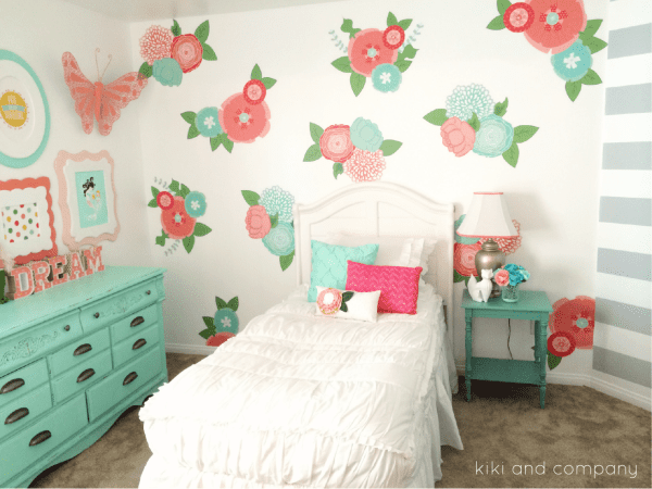 Girls-Room-Makeover-at-Kiki-and-Company.2-e1440531444533