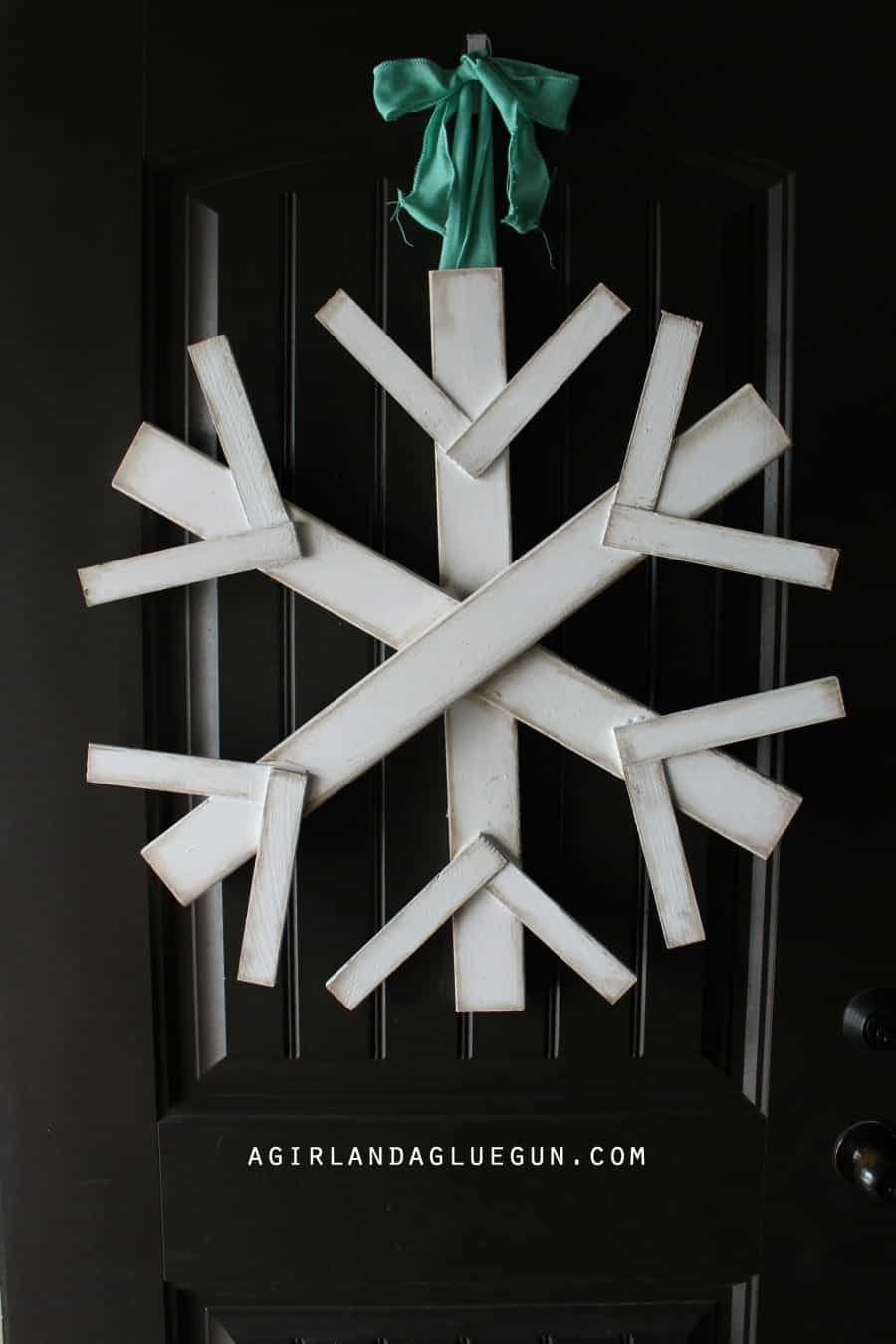 really fun wreath for your front door