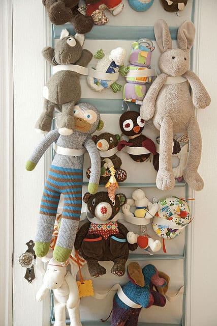 Amanda-Kingoff-Parents-stuffed-animal-storage