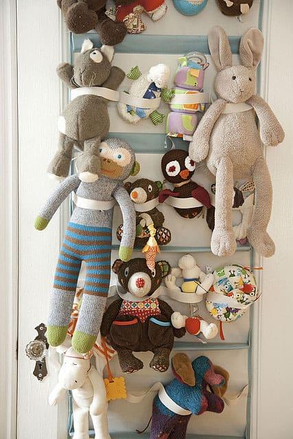 Amanda-Kingoff-Parents-stuffed-animal-storage