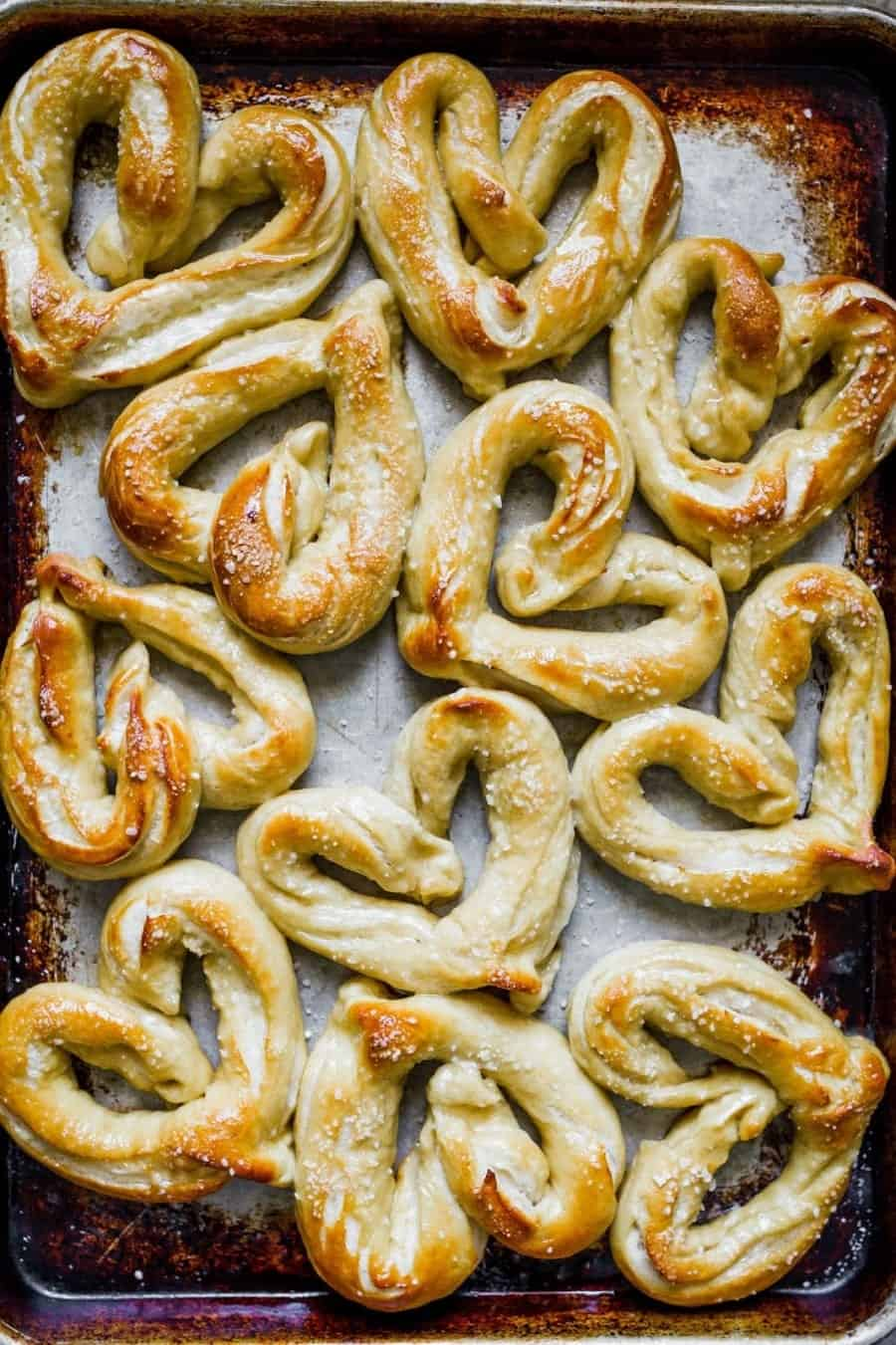 Heart-Shaped-Soft-Pretzels-1008